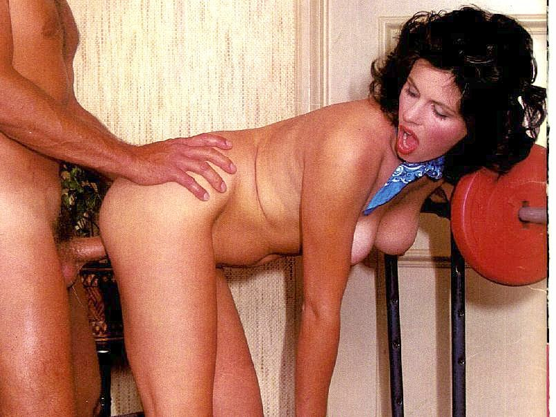 image Hairy pussy being eaten by her bf