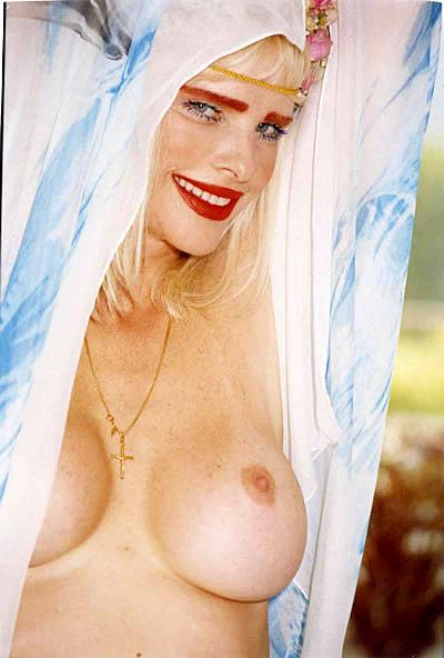 llona-staller-sex-coventry-nudist-resort