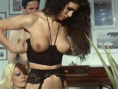 Giada Supertrans - classic porn film - year - 1994