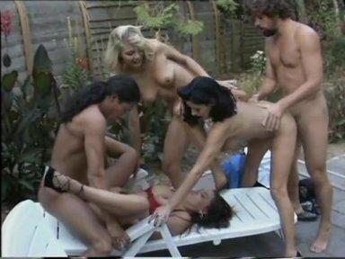 Natascha im Edel-Puff - classic porn film - year - 1995