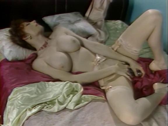 Laurie manadau nude