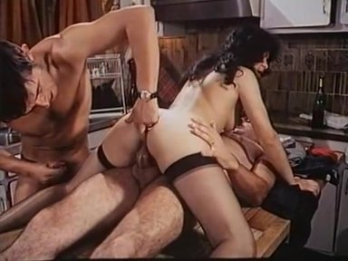 Lustschloss Am Venusberg - classic porn film - year - 1977