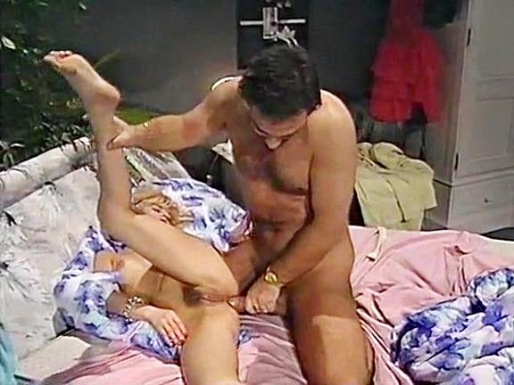 Im Reich Der Lust - classic porn film - year - 1992