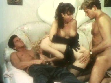 Baby E I Suoi Vizi Anali - classic porn movie - 1992