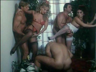 Bestialmente ingorda - classic porn movie - 1993