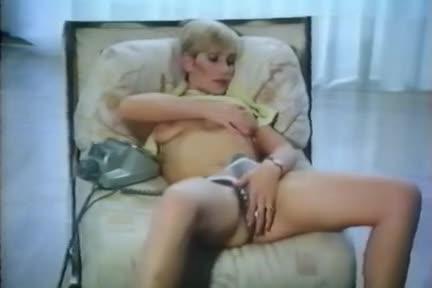 Le plaisir dans la peau - classic porn movie - 1982
