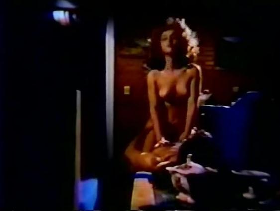 Abre as Pernas Coracao - classic porn movie - 1985
