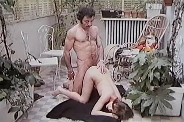 2 Slips Ami-ami - classic porn film - year - 1976