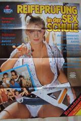 Reifeprufung In Der Sex-Schule - classic porn movie - 1988