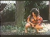 Occupe-toi de mon petit trou - classic porn movie - 1980