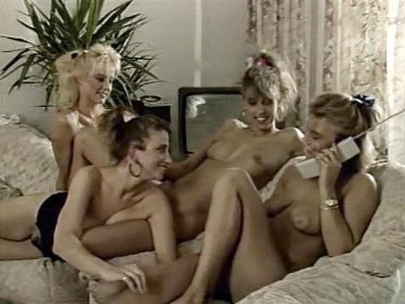 Traeume junger Hausfrauen - classic porn movie - 1989